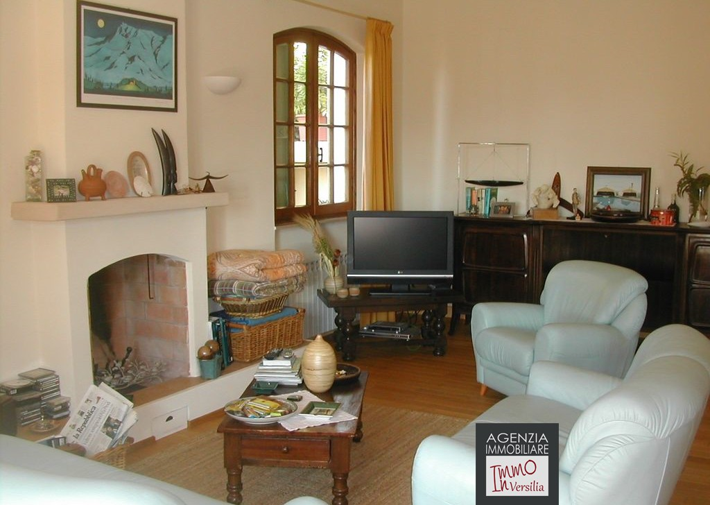 Sale Villas undefined - Stiava: magnificent villa in a panoramic position Locality