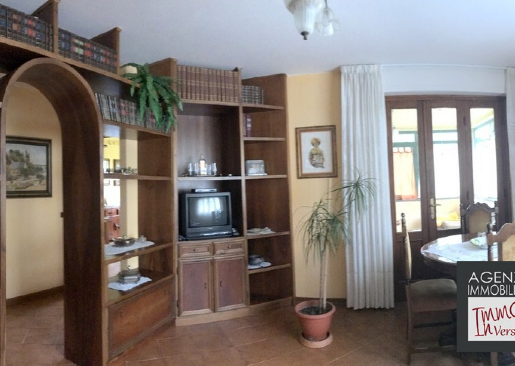 Sale Villas undefined - Stiava: Single villa 300 mq with garden 1000 mq Locality
