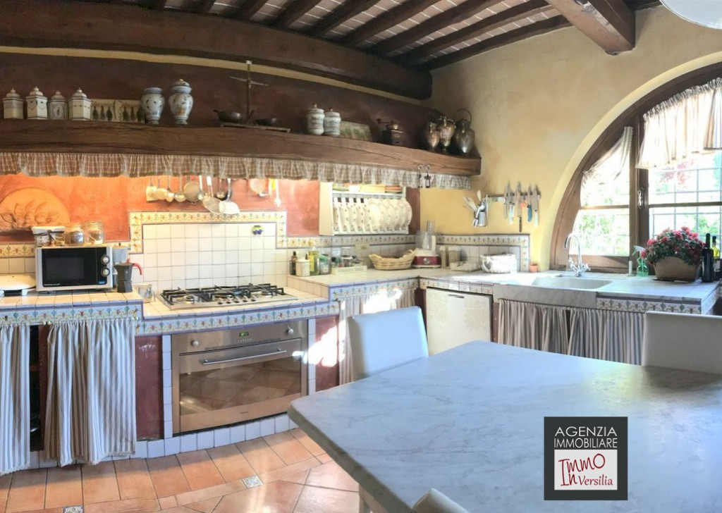 Sale Cottages and Farmhouses undefined - Great Tuscan-style Rustic Farmhouse With Pool and Garden Locality