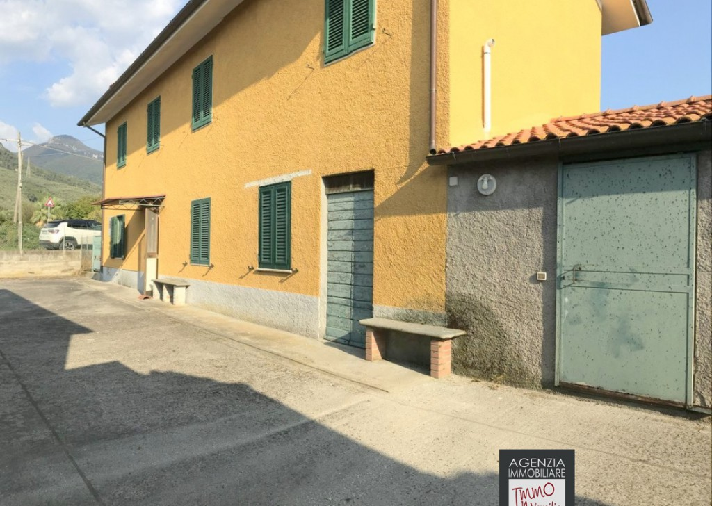 Sale Cottages and Farmhouses undefined - Pietrasanta Campaign: Great Cottage with ample terrain Locality
